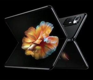 Xiaomi раздает смартфоны Mi Mix Fold в День труда