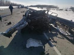 Водитель 'Форда' погиб в аварии с автовозом