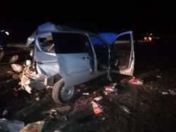 В ДТП с грузовиком на трассе пострадали четверо