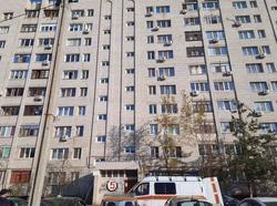 Пенсионер погиб после падения с 10 этажа