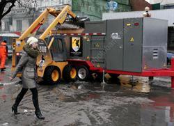 Город покупает новую снегоплавилку, старые пылятся на складе