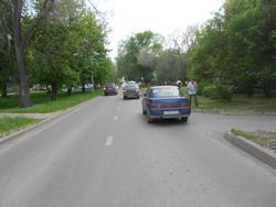 'Гранта' сбила переходившую дорогу в неположенном месте девочку