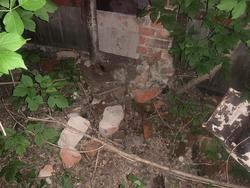 Рухнувшая стена гаража насмерть придавила ребенка