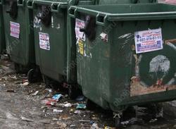 Жителям домов 'Сферы' пришли двойные платежки за мусор