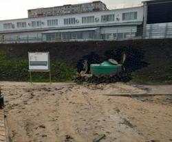 В потопе на пляже Исаев обвинил 'колоссальный объем воды'
