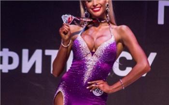 Жена экс-министра спорта Красноярского края стала чемпионкой по фитнес-бикини