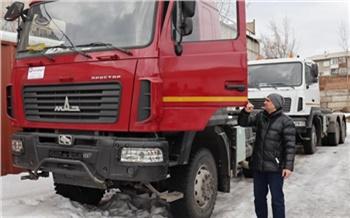 Лесным пожарным Красноярского края купили тяжелые тягачи и новые УАЗы. Это вторая партия техники с начала года