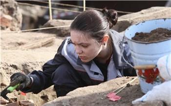 На стройке моста у БКЗ нашли остатки старинного кабака. К концу апреля его уничтожат бульдозерами
