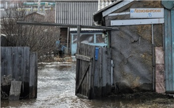 Ночью в Красноярске подтопило несколько домов возле реки Бугач