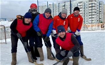 Команда Богучанской ГЭС закрыла хоккейный сезон победой