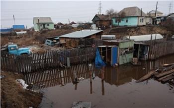 На Бугаче в Красноярске затопило 5 жилых домов: объявлен локальный режим ЧС