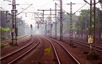 Под Красноярском грузовой поезд насмерть сбил мужчину