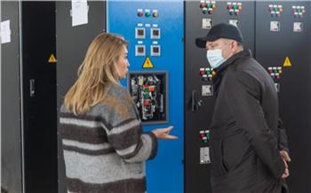 «Это успех и выход на другие рынки в будущем»: глава краевого минпрома Евгений Афанасьев посетил красноярское производство электрообрудования