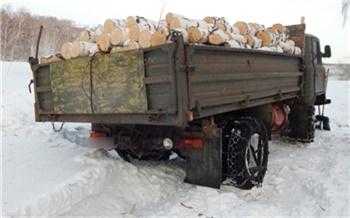 Красноярец незаконно нарубил целый грузовик берёз и попался с поличным