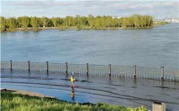 «Нужны качели над водой»: урбанист рассказал о приятных сторонах паводка в Красноярске