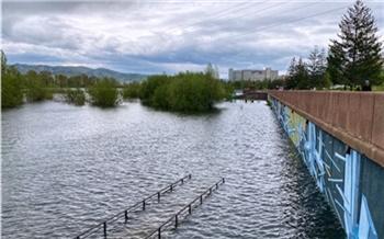 «Последствия будем оценивать после спада воды»: Сергей Ерёмин рассказал о новых возможных подтоплениях в Красноярске из-за половодья