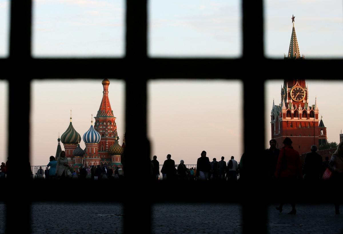 Россия угрожает депортировать 150 тысяч украинцев-нелегалов