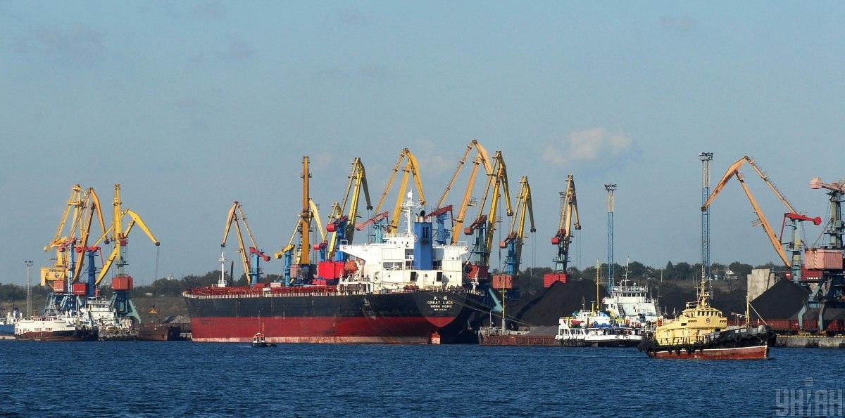 Руководство порта 'Южный' блокирует работу предприятия в интересах частных компаний – промышленники