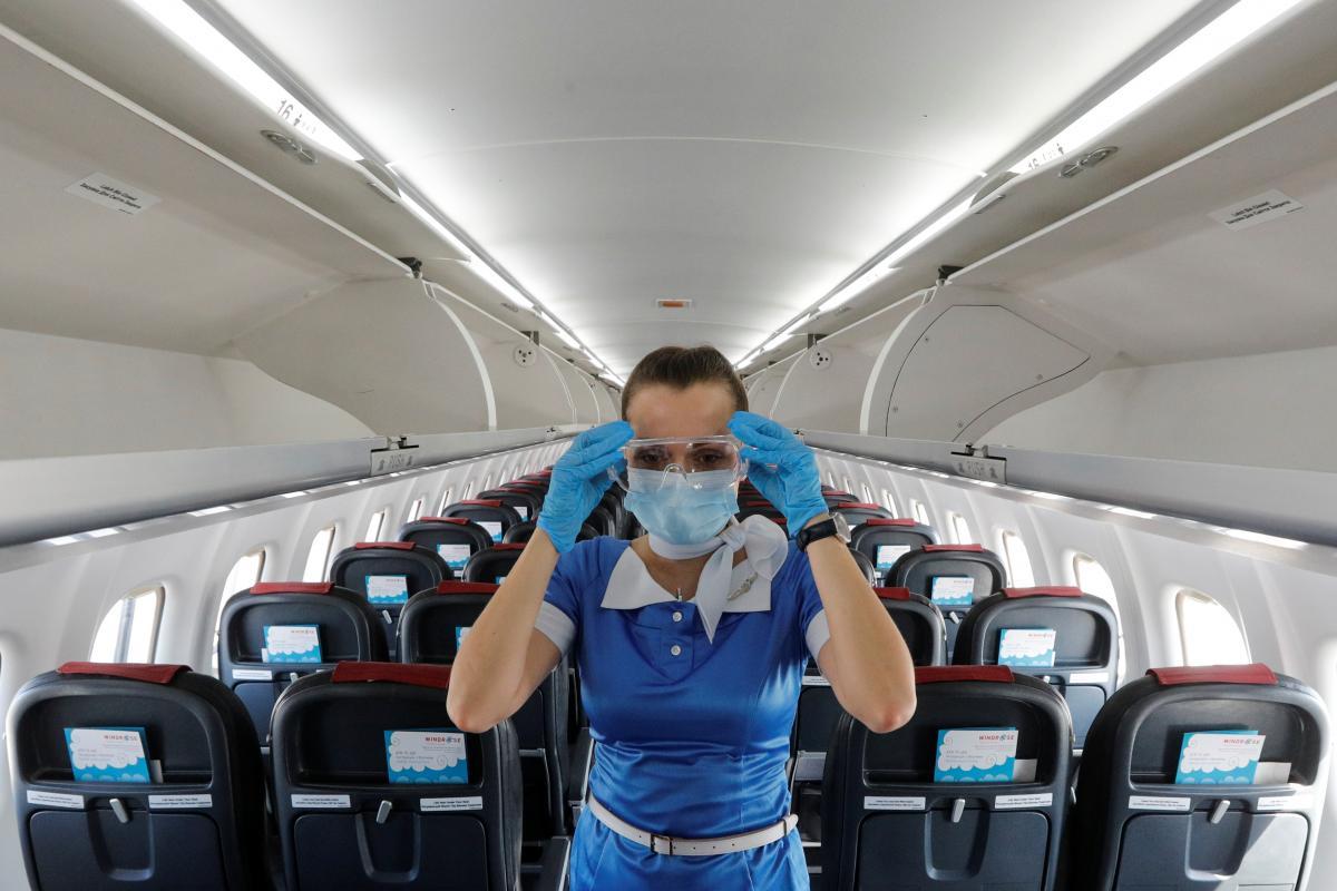 Шмыгаль назвал условие для снижения цен на внутренние авиаперевозки
