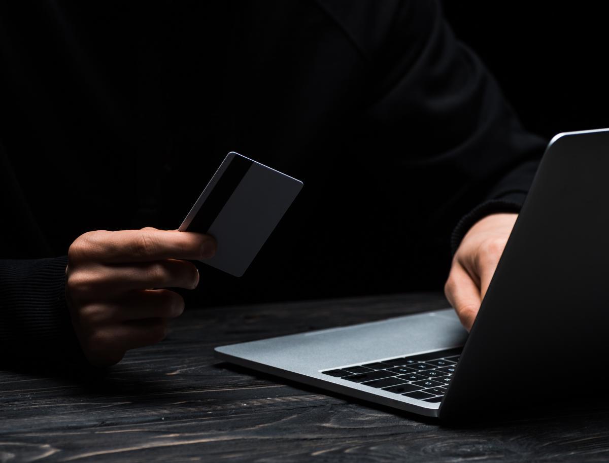Мошенничество в эпоху он-лайн: как не попасть на крючок аферистов
