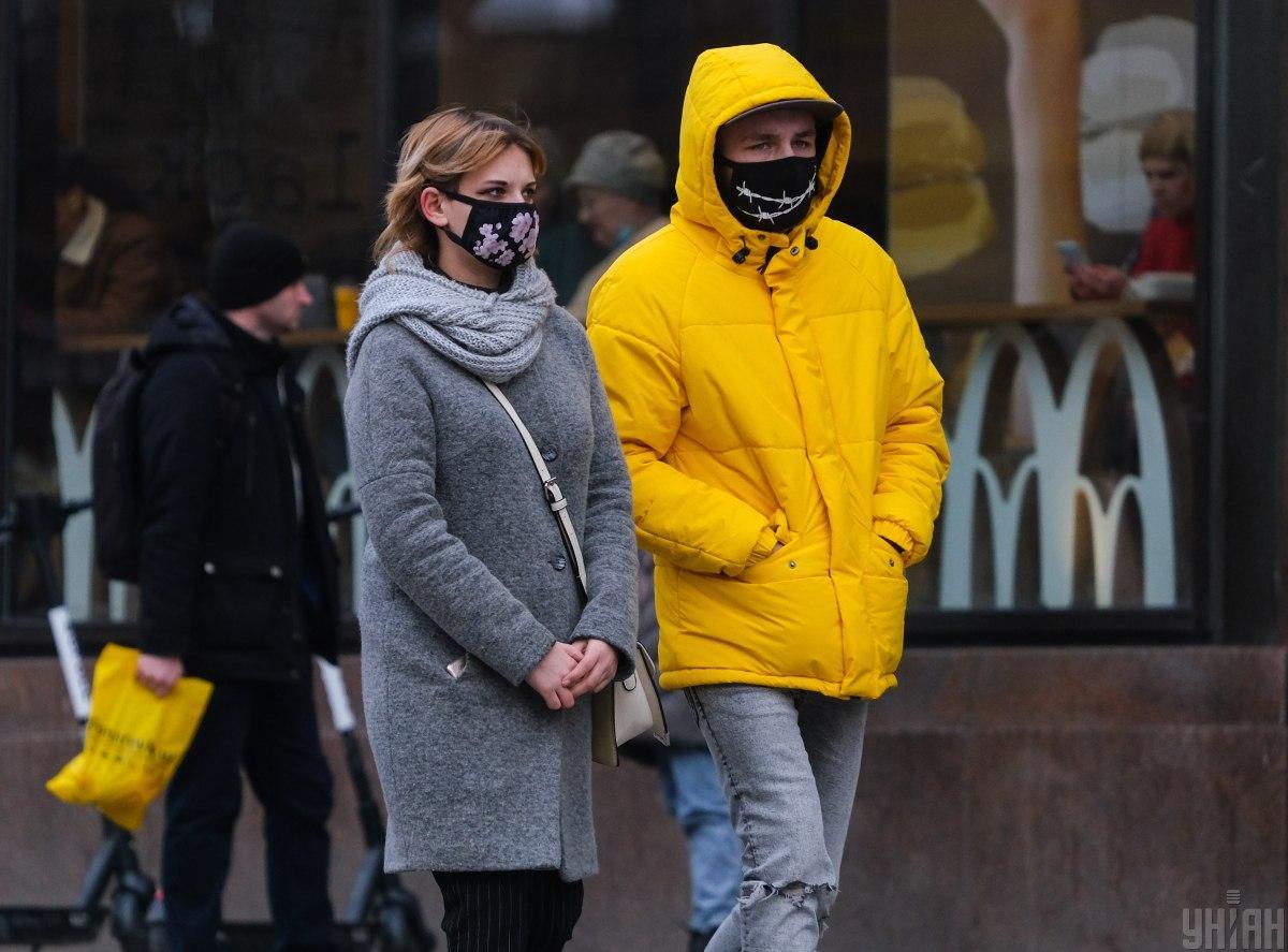 В Украине за сутки резко увеличилось количество больных и умерших от коронавируса