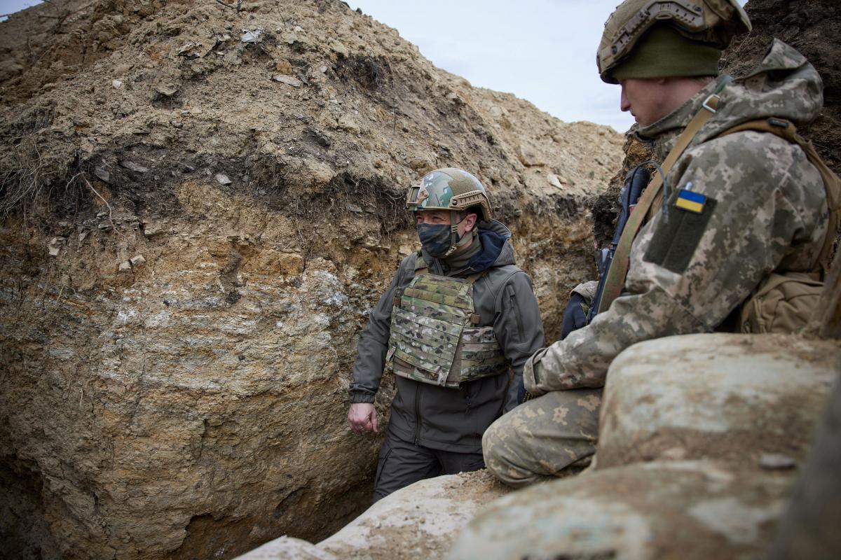 Зеленский в ООС: когда бьют по нашим бойцам – армия отвечает