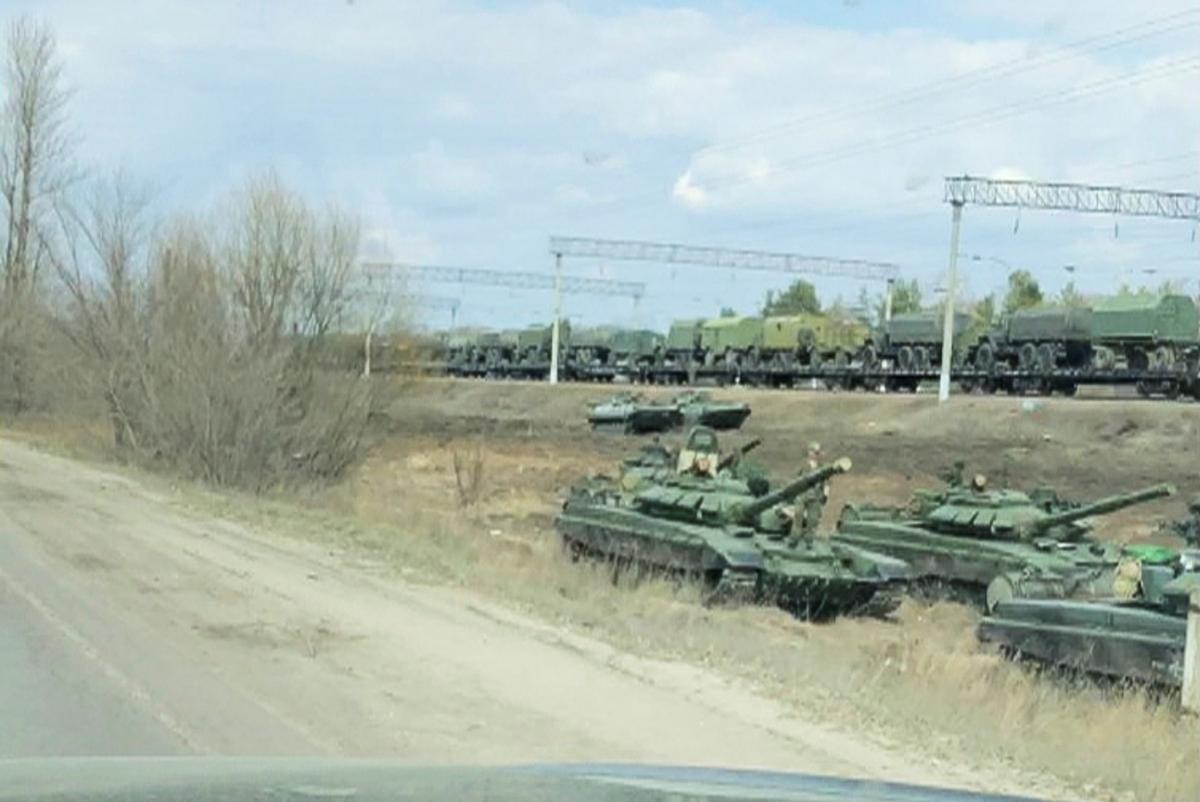 Россия увеличивает ударную группировку вокруг Украины - разведка