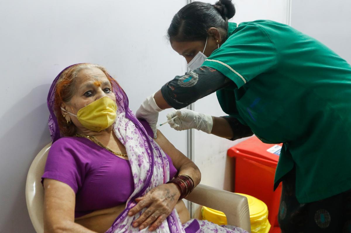 Из-за роста заболеваемости COVID-19 Индия запретила экспорт лекарства ремдесивир