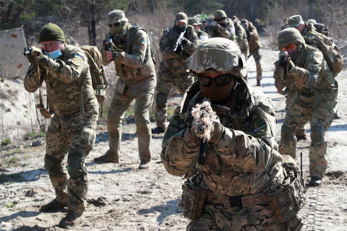 Der Spiegel: В 'лагере' Меркель тоже заговорили о необходимости вооружить Украину