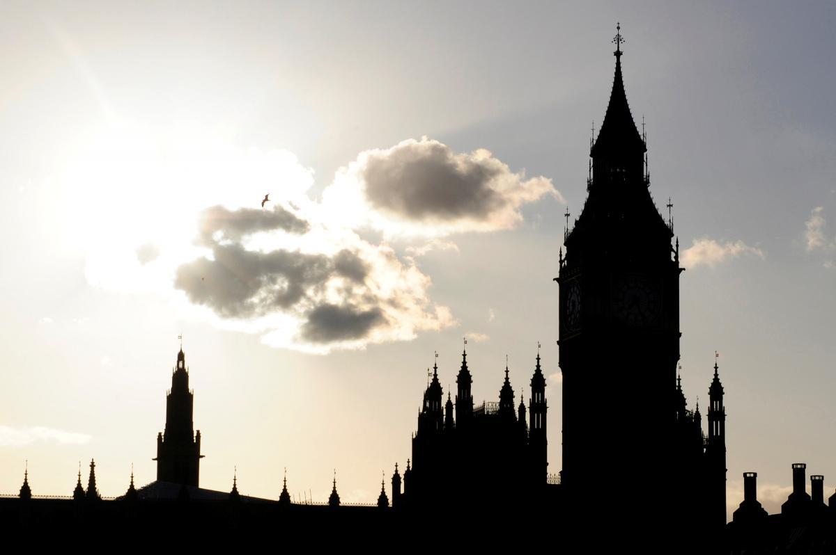 Реставрацию лондонского Биг-Бена продлили еще на год, часы заработают в 2022-м