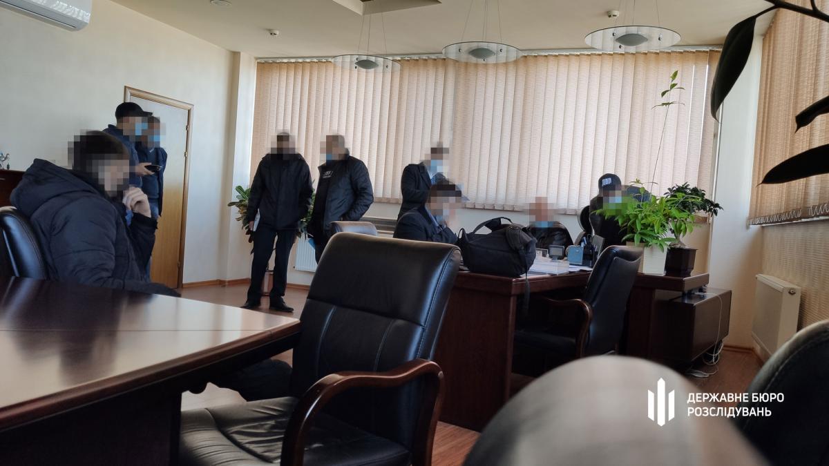 ГБР раскрыло подробности обысков в 'Кузнице на Рыбальском' и 'Богдан Моторс'