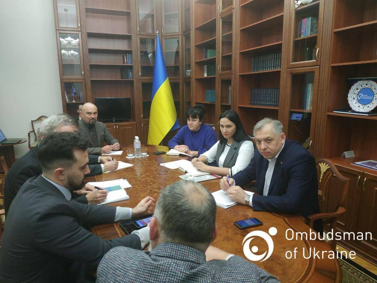 Представитель омбудсмена Вячеслав Петлеваный: Украинцев в РФ сажают в клетки, ставят на колени, применяют психотропы