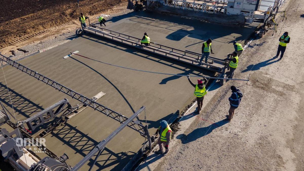 'Большая стройка' первого бетонного автобана на Полтавщине вышла на финишную прямую