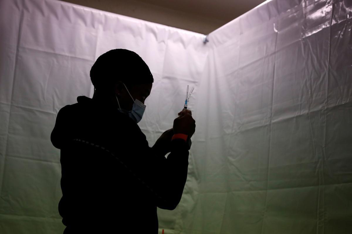 COVID-19 в Украине: в пятницу подтвердили еще 3 тысячи новых случаев инфицирования