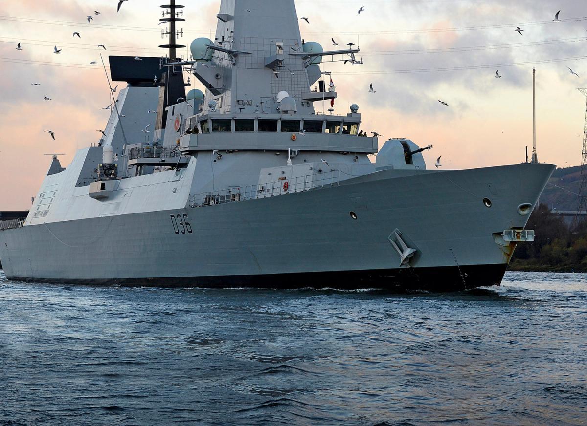 Борис Джонсон прокомментировал 'обстрел' британского эсминца россиянами