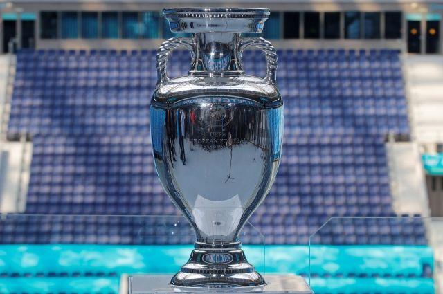 В Москве выставлен главный трофей Евро-2020