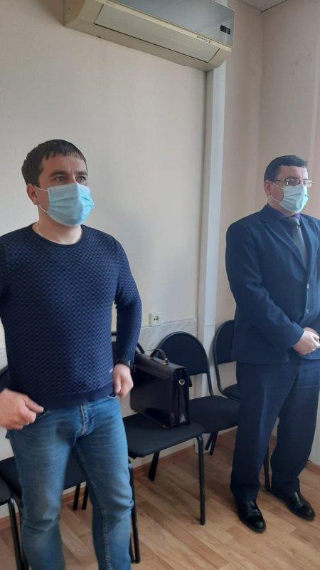 В Курске суд не восстановил на службе уволенного за поддержку Навального полицейского