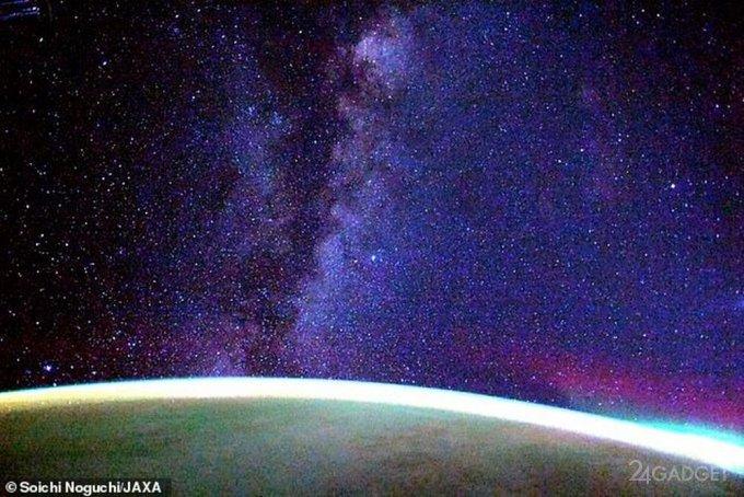 Астронавт NASA представил уникальное видео Млечного пути снятое с борта Crew Dragon Resilience