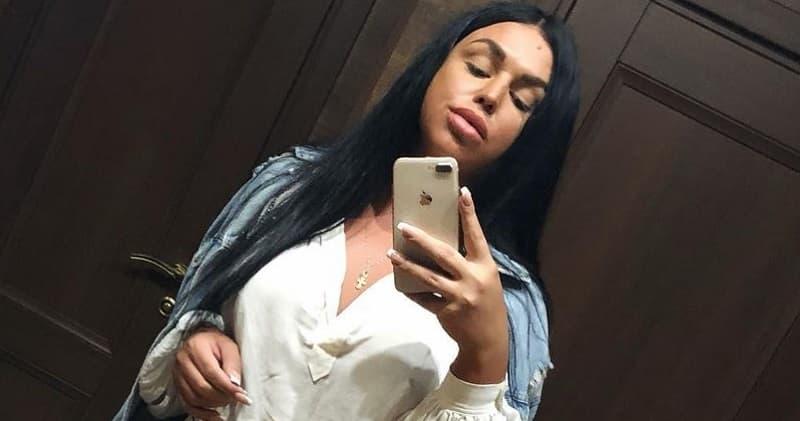 Трансгендер из «Дома-2» Алена Кузнецова устроила дебош в такси – СМИ