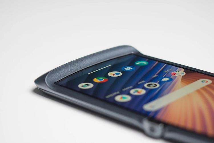 Motorola поделилась планами по обновлению смартфонов до Android 11
