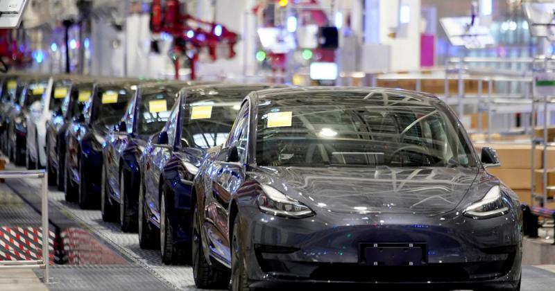 Цена Tesla достигнет $1 трлн до конца 2021 года благодаря огромному спросу на электромобили в Китае