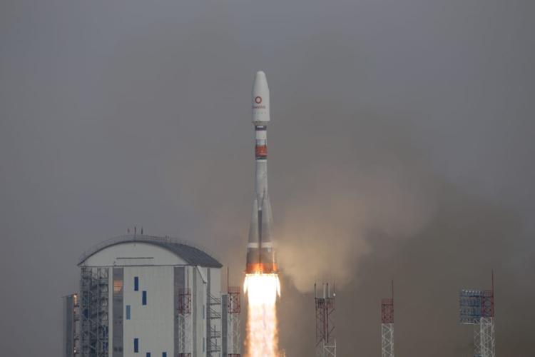 Состоялся второй коммерческий старт с Восточного: запущены 36 спутников OneWeb