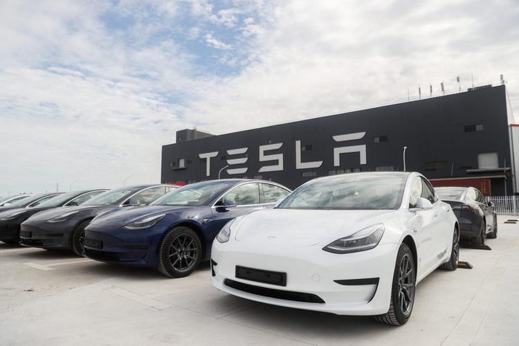 Tesla отчиталась о продажах за первый квартал 2021 года. Они оказались выше ожидаемых