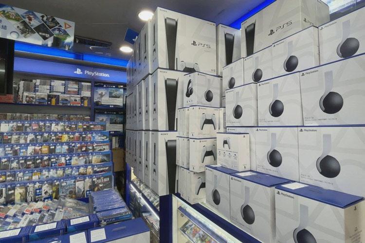 В Китае прихлопнули рынок «серых» игровых консолей, включая Sony PlayStation 5 и Microsoft Xbox Series X