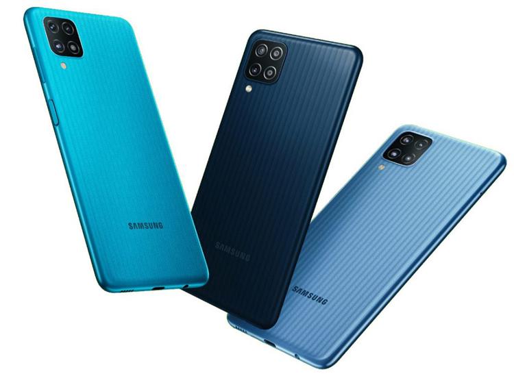 Samsung представила Galaxy F12 — смартфон за $150 с квадрокамерой и мощной батареей