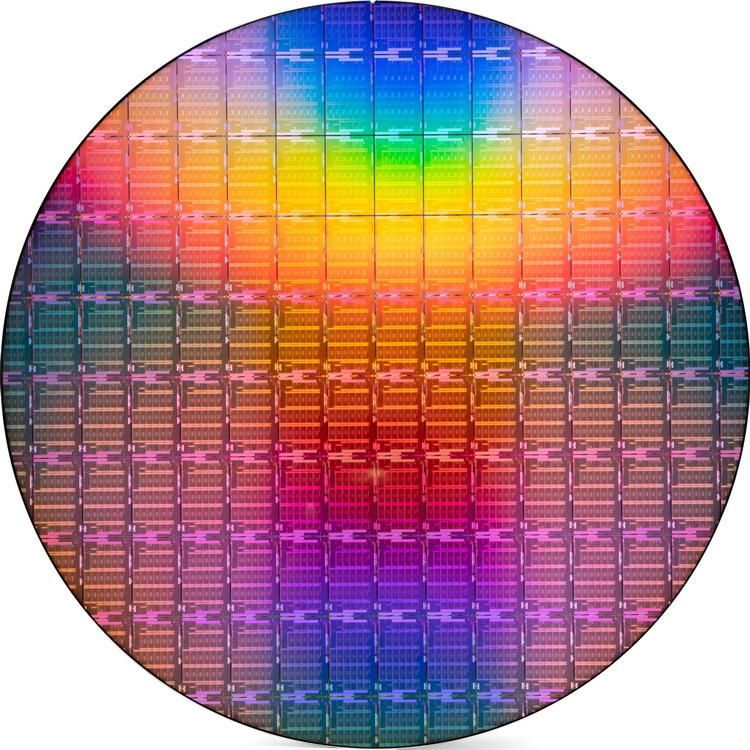 Intel представила Ice Lake-SP — первые 10-нм серверные процессоры. Они имеют до 40 ядер и почти в полтора раза быстрее предшественников