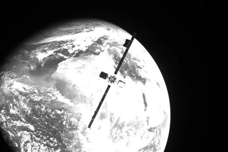 Сервисный зонд MEV-2 успешно пристыковался к спутнику связи Intelsat и подарил ему ещё 5 лет жизни