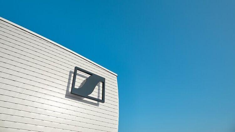 Sennheiser продала потребительский бизнес за 200 млн евро