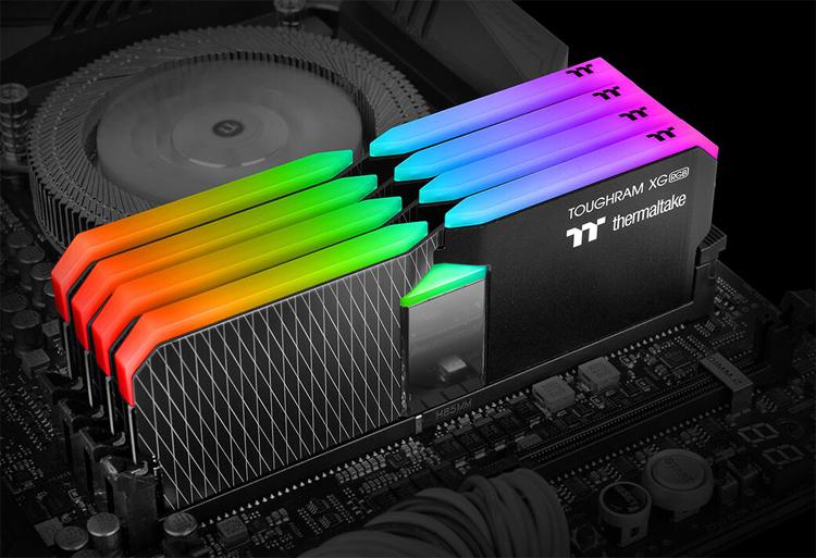 Thermaltake представила новые комплекты памяти Toughram XG RGB с подсветкой