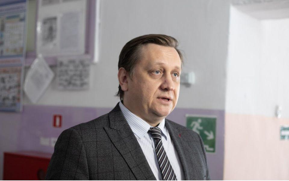 Министр образования прокомментировал ЧП с заболеванием в школе Барнаула